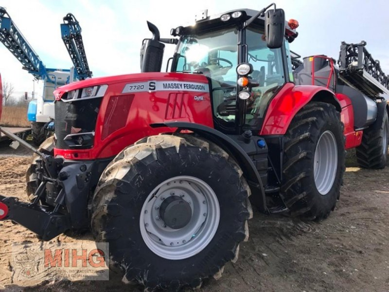 Traktor des Typs Massey Ferguson 7720 DYNA 6, Neumaschine in Dummerstorf OT Petschow (Bild 1)