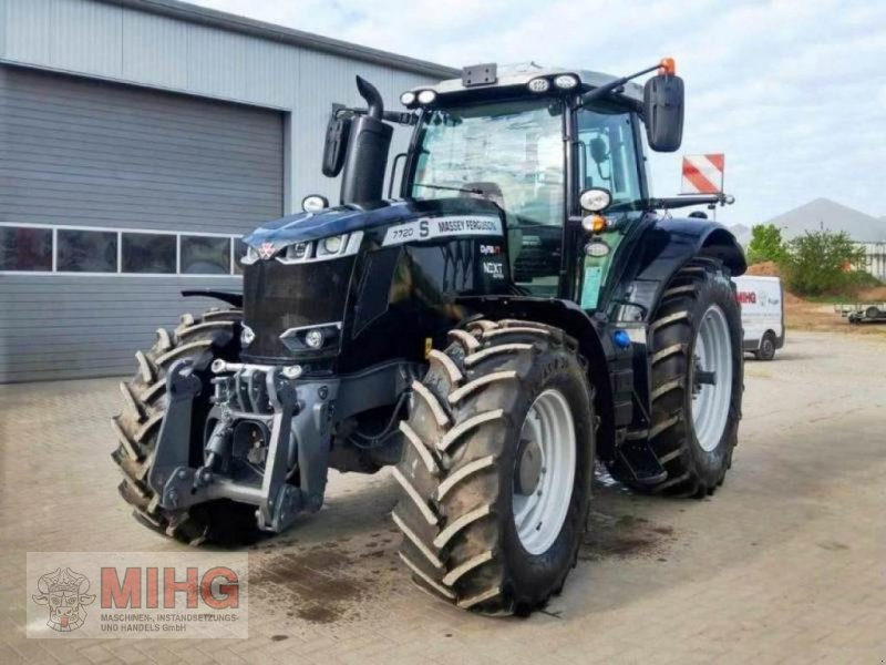 Traktor des Typs Massey Ferguson 7720 DYNA-VT - EXCLUSIV, Neumaschine in Dummerstorf OT Petschow (Bild 1)
