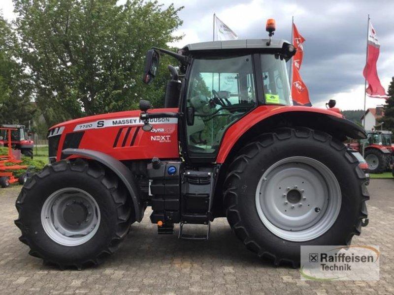 Traktor des Typs Massey Ferguson 7720 Dyna-VT NEXTEDITION, Gebrauchtmaschine in Trendelburg (Bild 1)