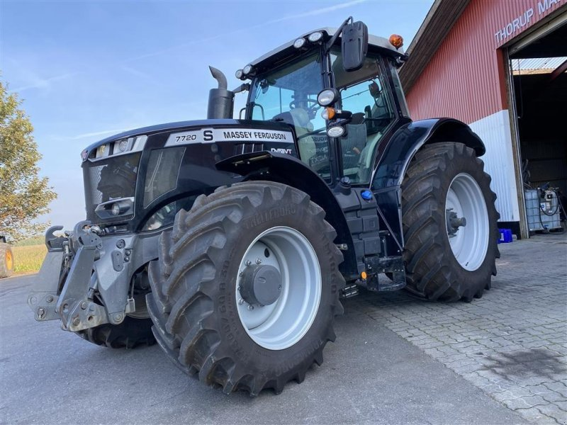 Traktor типа Massey Ferguson 7720S Dyna VT Next Edition BLACK EDITION! KUN 625 TIMER OG FRONT PTO!, Gebrauchtmaschine в Aalestrup (Фотография 1)