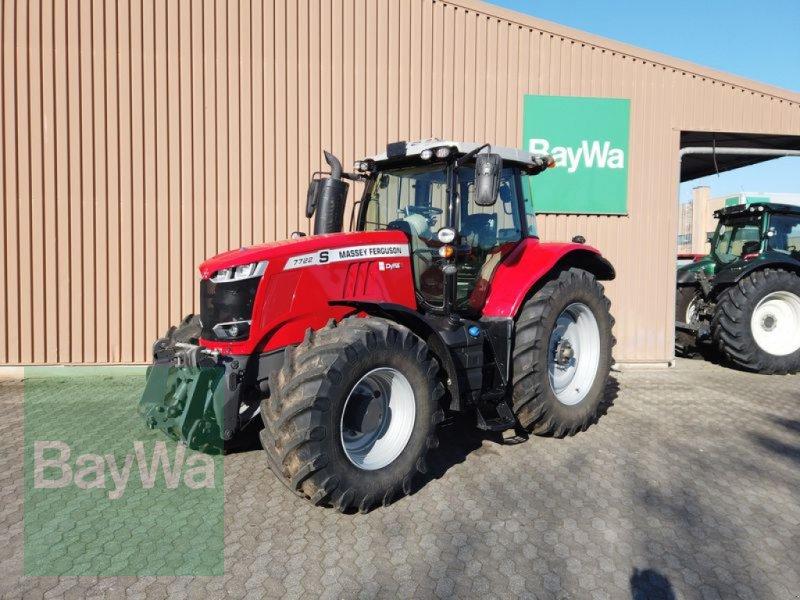 Traktor des Typs Massey Ferguson 7722S DYNA6 EXCLUSIVE, Neumaschine in Manching (Bild 1)