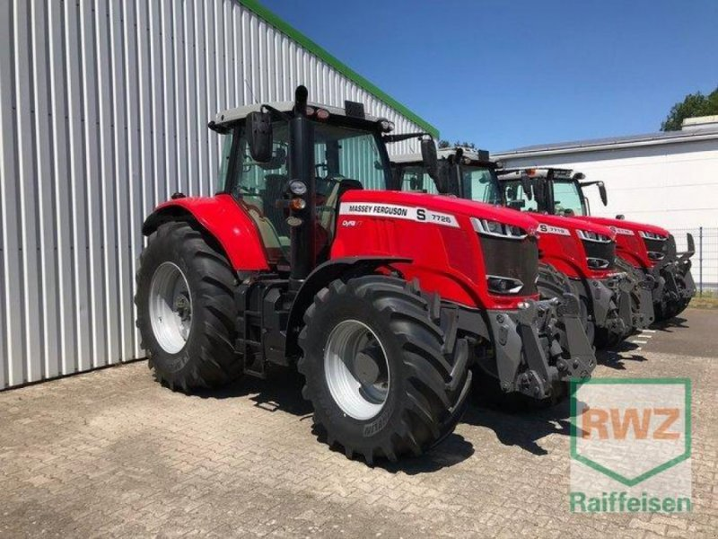 Traktor des Typs Massey Ferguson 7726 VT Exclusiv, Neumaschine in Geldern (Bild 1)