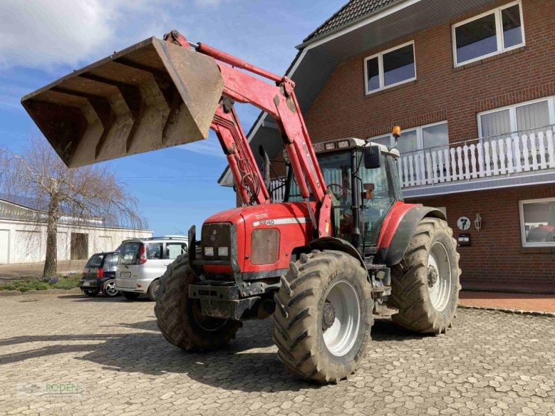 Traktor des Typs Massey Ferguson 8240, Gebrauchtmaschine in Lensahn (Bild 1)