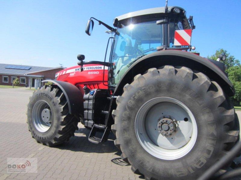 Traktor des Typs Massey Ferguson 8690 DVT Exclusive, Gebrauchtmaschine in Schoenberg (Bild 4)