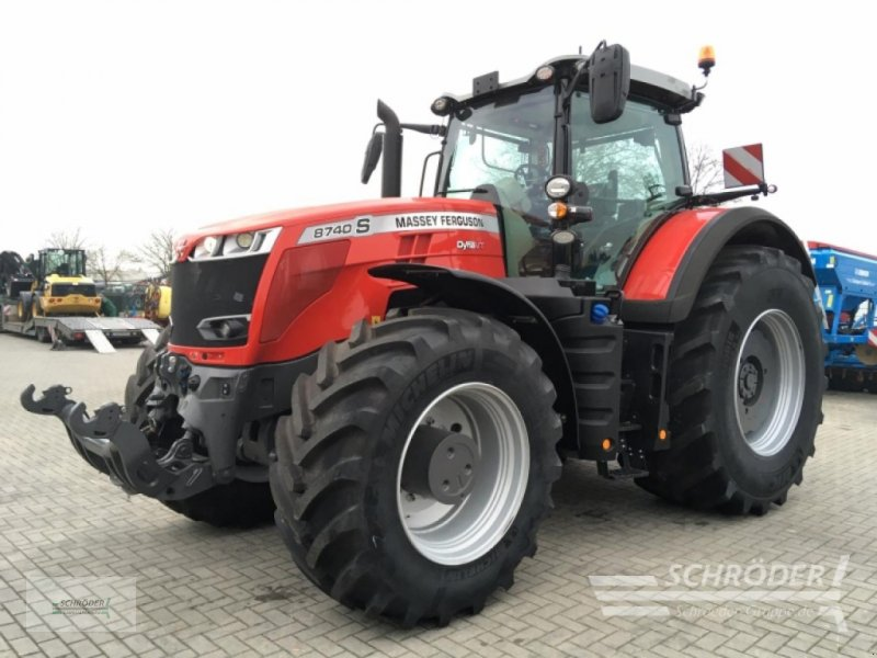 Traktor des Typs Massey Ferguson 8740 S DYNA-VT NEW E, Gebrauchtmaschine in Wildeshausen (Bild 1)