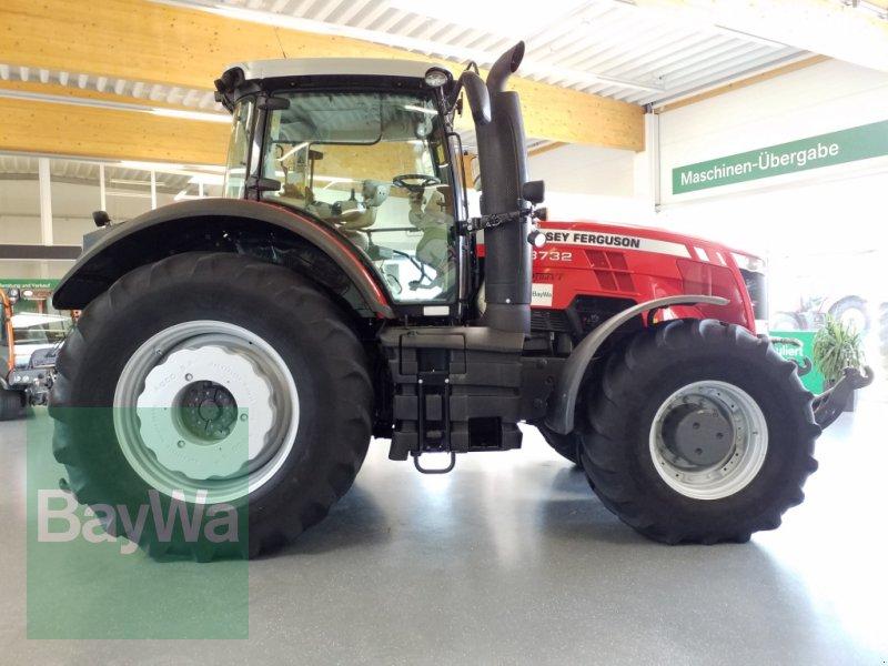 Traktor des Typs Massey Ferguson Dyna-VT 8732, Gebrauchtmaschine in Bamberg (Bild 2)