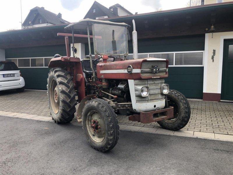 Traktor типа Massey Ferguson MF 133 wie MF 135 Traktor Hobbytraktor, Gebrauchtmaschine в Niedernhausen (Фотография 1)