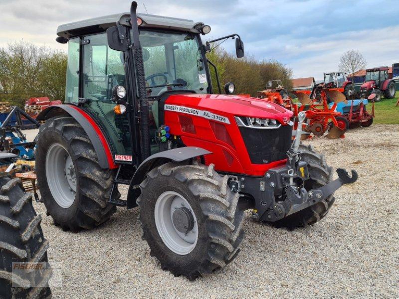Traktor des Typs Massey Ferguson MF 3709 AL, Neumaschine in Pfoerring (Bild 1)