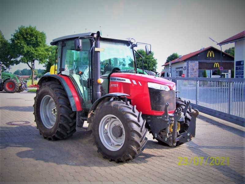 Traktor du type Massey Ferguson MF 4707 Allrad, Gebrauchtmaschine en Murnau (Photo 1)