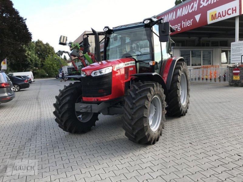 Traktor des Typs Massey Ferguson MF 4708, Neumaschine in Burgkirchen (Bild 1)