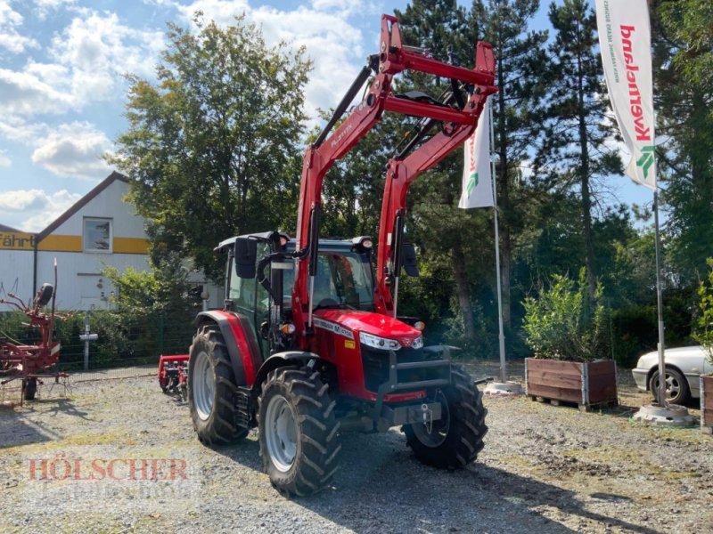 Traktor des Typs Massey Ferguson MF 4708M, Neumaschine in Warendorf (Bild 1)