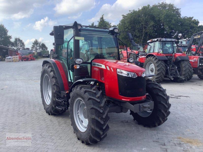 Traktor des Typs Massey Ferguson MF 4709, Neumaschine in Blaufelden (Bild 1)