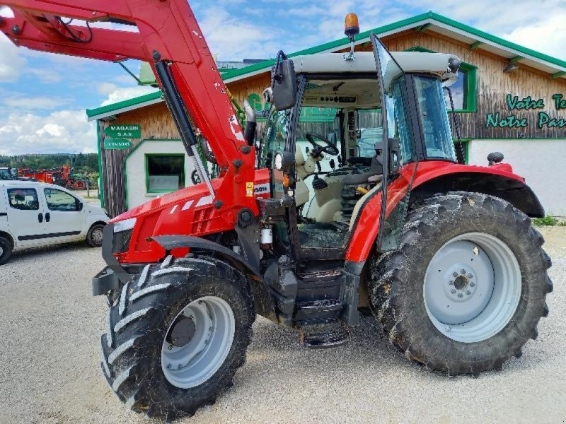 Traktor a típus Massey Ferguson MF 5610, Gebrauchtmaschine ekkor: Levier (Kép 1)