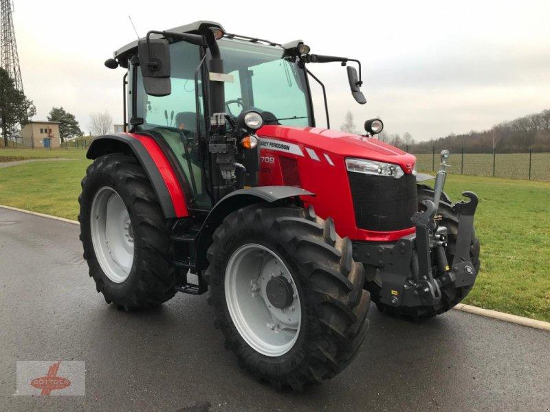 Traktor des Typs Massey Ferguson MF 5709 Dyna-4, Neumaschine in Oederan (Bild 1)