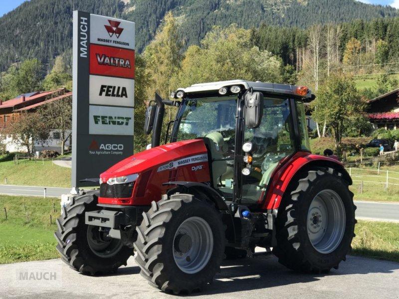 Traktor des Typs Massey Ferguson MF 5709 S MR Dyna4 Alpin Plus, Neumaschine in Eben (Bild 1)