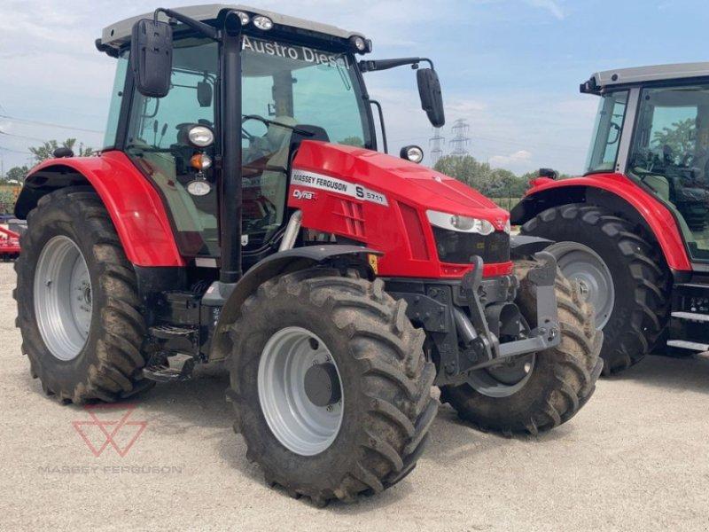 Traktor des Typs Massey Ferguson MF 5711 S Efficient, Vorführmaschine in Schwechat (Bild 1)