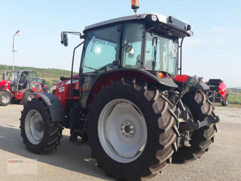 Traktor tip Massey Ferguson MF 5711, Neumaschine in Jud. Timiş (Poză 5)