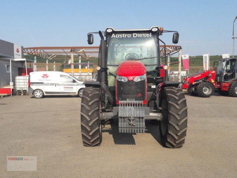 Traktor tip Massey Ferguson MF 5711, Neumaschine in Jud. Timiş (Poză 4)