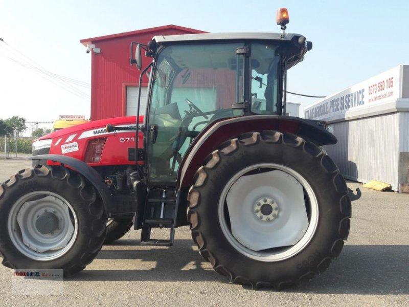 Traktor tip Massey Ferguson MF 5711, Neumaschine in Jud. Timiş (Poză 1)