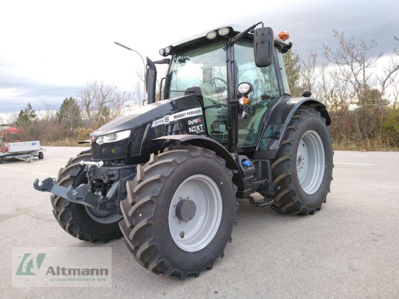 Traktor des Typs Massey Ferguson MF 5713 S Essential, Neumaschine in Wiener Neustadt (Bild 1)