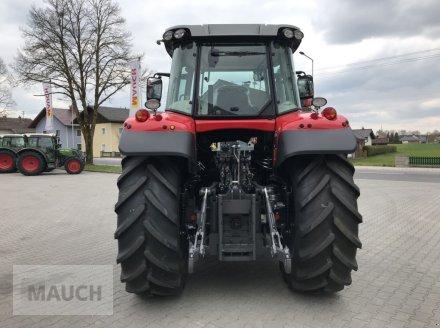 Traktor des Typs Massey Ferguson MF 6713 S Dyna-6 Efficient (Stage V), Neumaschine in Burgkirchen (Bild 4)