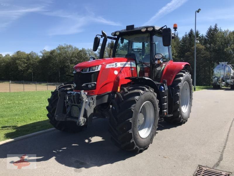 Traktor des Typs Massey Ferguson MF 7718 S Dyna-6, Neumaschine in Oederan (Bild 1)