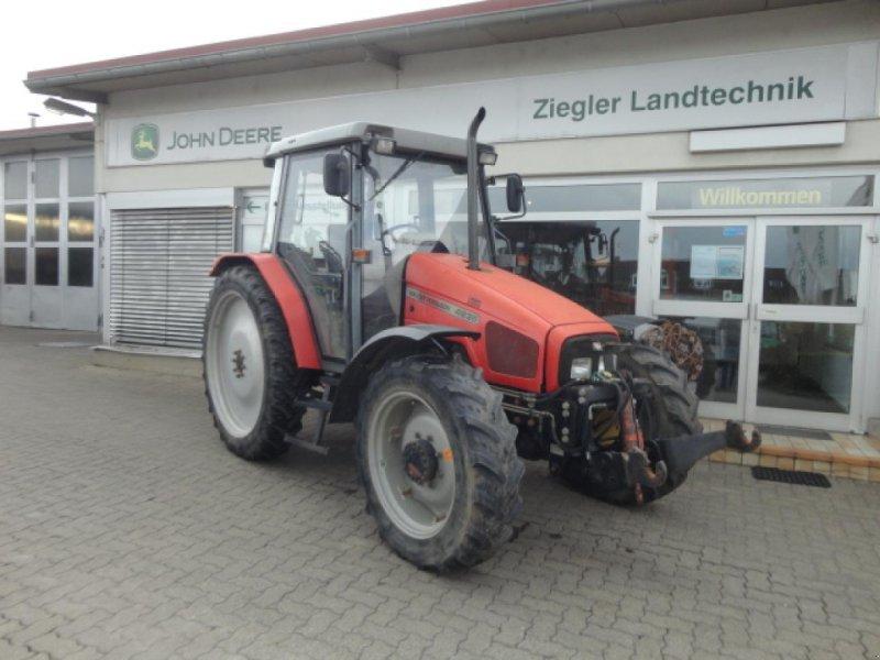 Traktor des Typs Massey Ferguson MF4235A, Gebrauchtmaschine in Kandern-Tannenkirch (Bild 1)