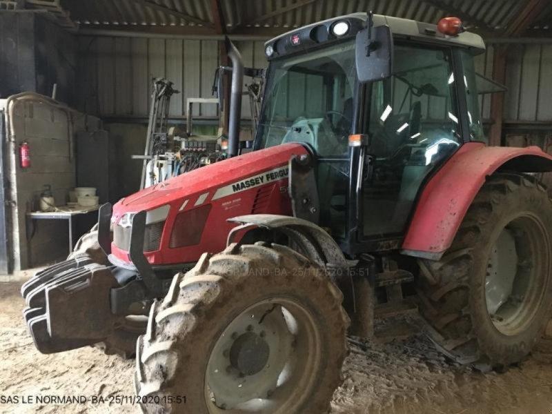 Traktor des Typs Massey Ferguson MF5430, Gebrauchtmaschine in LANDIVISIAU (Bild 1)