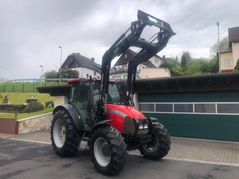 Traktor типа McCormick C 100 MAX Allradtraktor mit Frontlader - erst 3770 Std. - Klima - TÜV - 1.Hd - bgl.Landini, Gebrauchtmaschine в Niedernhausen (Фотография 1)