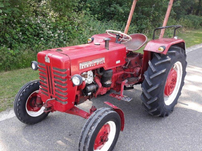 Traktor des Typs McCormick D-324, Gebrauchtmaschine in Itterbeck (Bild 1)