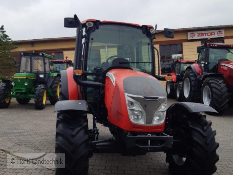 Traktor des Typs McCormick x 4.50, Gebrauchtmaschine in Ortenburg (Bild 1)