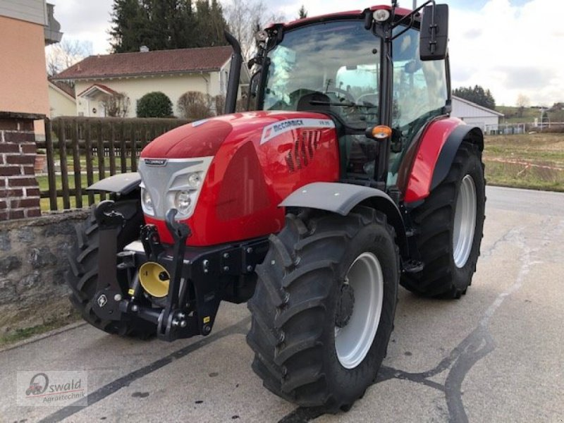 Traktor des Typs McCormick X 5.35, Neumaschine in Iggensbach (Bild 1)