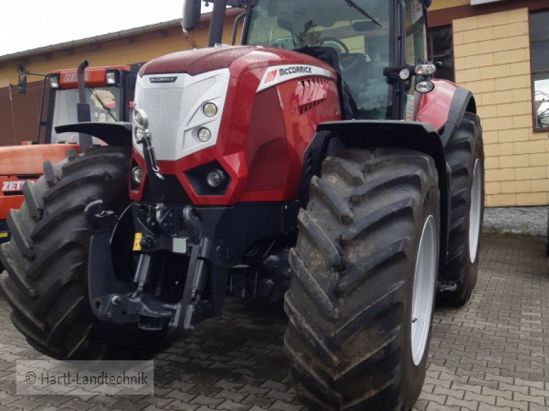 Traktor des Typs McCormick X 8.680, Gebrauchtmaschine in Ortenburg (Bild 1)
