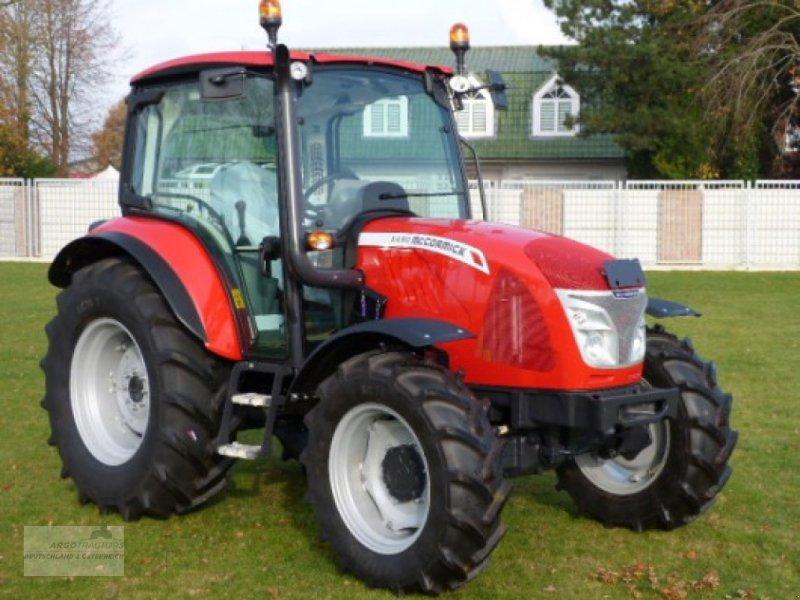 Traktor типа McCormick X4.30, Neumaschine в Lorup (Фотография 1)