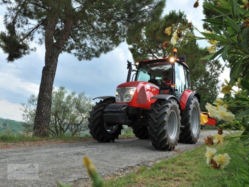 Traktor des Typs McCormick X4.30, Neumaschine in Lorup (Bild 1)