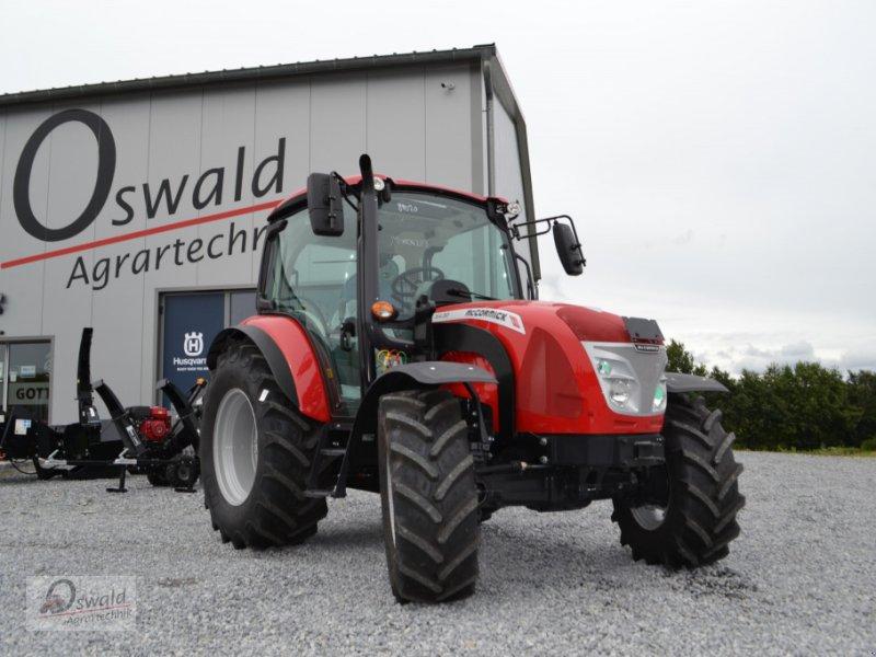Traktor des Typs McCormick X4.30, Neumaschine in Iggensbach (Bild 1)