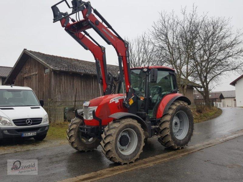 Traktor des Typs McCormick X5.35, Neumaschine in Regen (Bild 5)