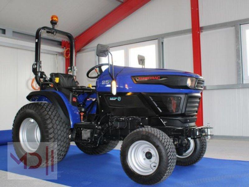 Traktor des Typs MD Landmaschinen FARMTRAC   25G  elektrische Rasentraktor, Gebrauchtmaschine in Zeven (Bild 1)