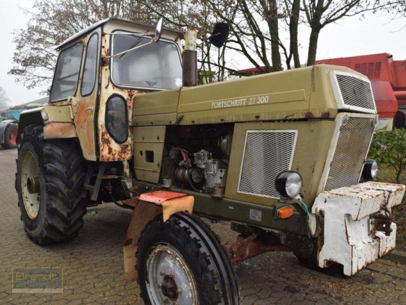 Traktor типа MDW-Fortschritt ZT 300 + ZT 303, Gebrauchtmaschine в Bremen (Фотография 1)