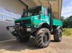 Traktor des Typs Mercedes-Benz Unimog 2100 in Kammeltal