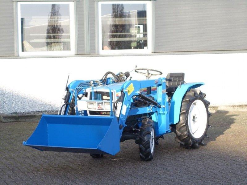 Traktor des Typs Mitsubishi MT1601 4wd / 1036 Draaiuren / Voorlader, Gebrauchtmaschine in Swifterband (Bild 1)