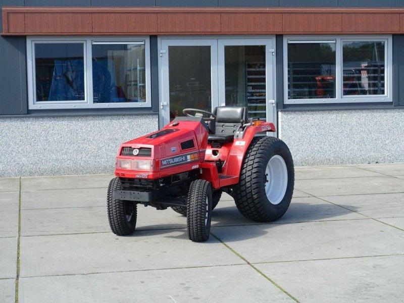 Traktor типа Mitsubishi MT18 4wd / 0629 Draaiuren / Gazonbanden, Gebrauchtmaschine в Swifterband (Фотография 1)