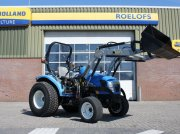 Traktor типа New Holland 3045, Gebrauchtmaschine в BENNEKOM