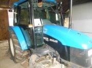 New Holland 4835 Traktor
