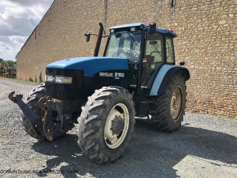 Traktor des Typs New Holland 8160, Gebrauchtmaschine in NIORT (Bild 1)