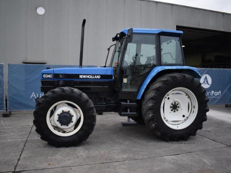 Traktor του τύπου New Holland 8340, Gebrauchtmaschine σε Antwerpen (Φωτογραφία 1)