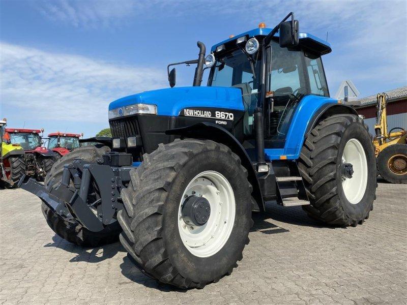 Traktor типа New Holland 8670 KUN 5950 TIMER!, Gebrauchtmaschine в Aalestrup (Фотография 1)