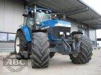 Traktor des Typs New Holland 8670 in Klein Bünzow