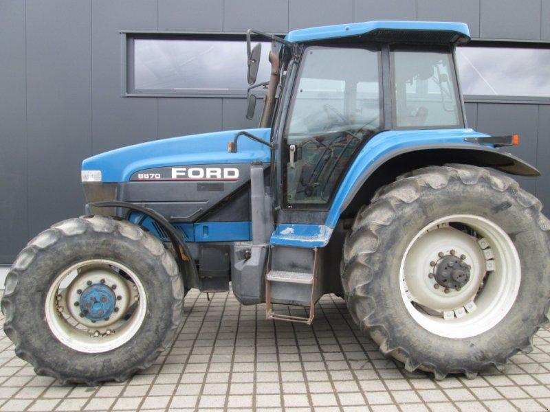 Traktor des Typs New Holland 8770 8670 Ford G 190 170 Fiatagri, Gebrauchtmaschine in Wülfershausen an der Saale (Bild 1)
