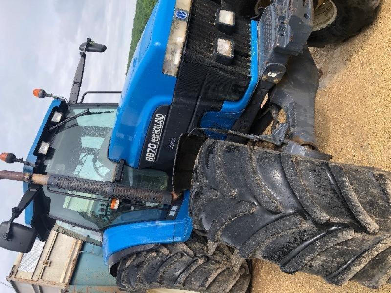 Traktor типа New Holland 8870, Gebrauchtmaschine в Chauvoncourt (Фотография 1)